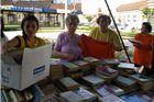 Prodaju stare knjige i suzbijaju predrasude