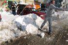 Mladi SDP-ovci do snijega �istili parkirali�te u sredi�tu grada