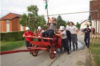 Vatrogasci iz Starog Graca najbolje gađaju starom špricom