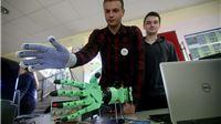 Robotski stisak ruke učenika Tehničke škole Virovitica