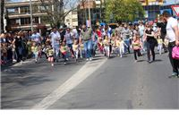 """Najmlađi sugrađani otvorili Međunarodnu uličnu atletsku utrku """"Virovitica 1,2,3,4…doživjeti stotu - 2017"""""""