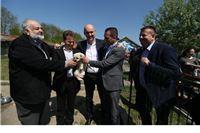 Predsjednik udruge  Prijatelji životinja Luka Oman i ministar poljoprivredne Tomislav Tolušić  posjetili virovitičko sklonište za životinje