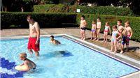 Počela škola plivanja
