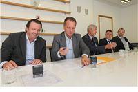 Bolja zdravstvena usluga: Potpisani ugovori o nabavi medicinske opreme vrijedne 2,7 milijuna kuna