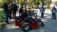 Novi multifunkcionalni stroj čistit će snijeg i kositi travu u Slatini