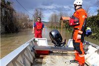 HGSS neumorno pomaže na poplavljenim područjima. U stanju pripravnosti i HGSS Orahovica