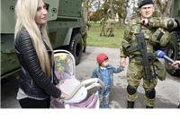 U Poljsku ispraćeno sto hrvatskih vojnika. Hrvoju Foretu iz Virovitice ovo je treći odlazak u međunarodnu misiju