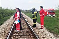 U Podravskoj vlak naletio na automobil, vozač preminuo u bolnici