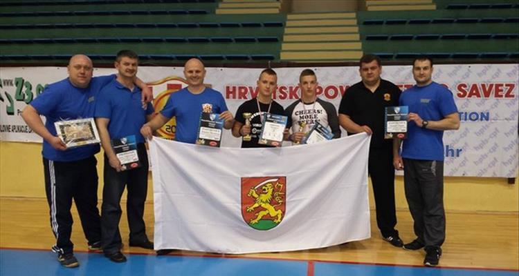 Tri zlata i dva srebra za takmi�are powerlifting klubova �Virovitica� i �Maksimum� iz Pitoma�e