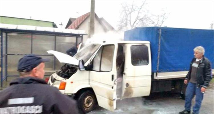 Zapalilo se kamiončić