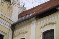 Napukli zidovi crkve, Palače Pejačević, Visoke škole, Žitnice i Tvina