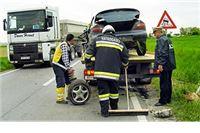 U sudaru automobila lakše ozlijeđene tri osobe
