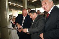 Ministar Čobanković u TVIN-u otvorio novi pogon za  za sastavljanje furnira