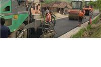 Pri kraju asfaltiranje ceste u Lukavcu