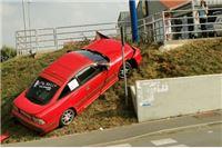 Izbjegao sudar pa se 'popeo' na parking