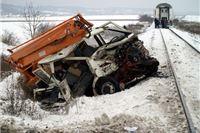 Nalet vlaka na HEP-ovo vozilo - dvije osobe teško ozlijeđene