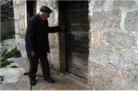 Bolesnom starcu nepoznata ženska osoba odnijela 30.000 kuna