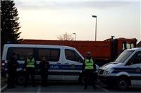 Policija objasnila zašto je seljačku bunu gušila privatnim teretnim vozilom