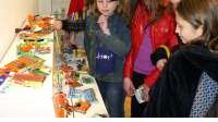 Mladi izložili kreativne predmete od otpada