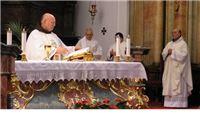'Lopovi, vratite nam svijeće, mjesto im je samo na oltaru!'