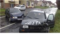 U teškoj prometnoj nesreći u Slatini ozlijeđeno više osoba