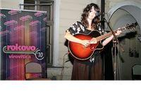 Mlada kantautorica Nina Romić predstavila se virovitičkoj publici