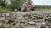 Bujice odnijele 700 metara ceste