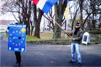 HSP u akciji: Zatrubi protiv EU