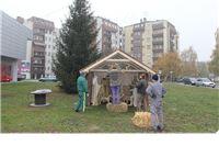 Započelo uređenje grada za Božićne blagdane