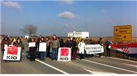 Radnici KIO Keramike na 45 minuta blokirali državnu cestu D2