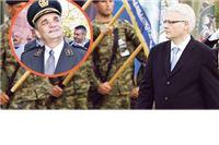 Otkud Češekove optužbe: Glavaš se iz zatvora sveti Josipoviću jer mu je oduzeo generalski čin?