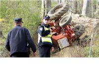 Pijani traktorista s 1,76 promila alkohola sletio u kanal, pa završio u bolnici