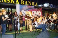 Ženski vokalni sastav i Tamubraški orkestar Rodoljuba oduševili zajedničkim nastupom