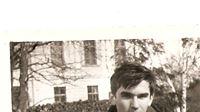 Ljubo R. Weiss: Na klupi, pored naše crkve (sjećanje na Dan mladosti)