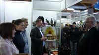 Predsjednik Josipović na Osječkom sajmu posjetio izlagače Virovitičko-podravske županije