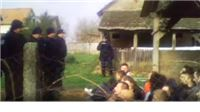 Deložacija Fel: Policija ne dozvoljava snimanje. Čuju se vriskovi! Zabranili i medije...