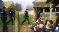 Policija iz kuće iznijela samohranu majku troje djece