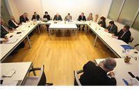 Vlada usvojila sugestije hrvatskih župana oko profesionalnih žalitelja u postupku javne nabave
