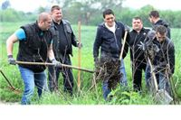 Djelatnici Gradske uprave, članovi Ekološkog društva Virovitica i sugrađani u Zelenoj akciji