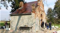 Radovi na obnovi mrtvačnice na židovskom groblju u Virovitici