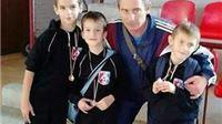 Na memorijalnom turniru ''Čedomir Tintor'' mladim slatinskim hrvačma ekipno prvo mjesto