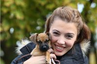 Nakon što je iz azila u Virovitici udomila kujicu Miffy, glumica Ana Majhenić se vratila i po njezinu majku