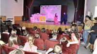 Kazalište Virovitica razveselilo mališane na 47. Orahovačkom proljeću