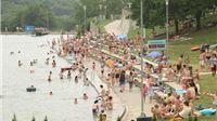 Velike vrućine napunile Jezero Orah i prije službenog otvorenja sezone