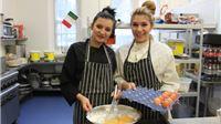Dvije srednjoškolke iz Pitomače oduševile britanskog kuhara