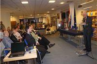 "Britanski povjesničar Robin Harris održao predavanje ""Stepinac i Hrvatska"""