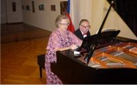 Večeras u Virovitici gostuje proslavljeni  praški klavirni duo Helena i  Radomir Melmuka
