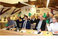 Priopćenje za javnost Kluba vijećnika SDP i HSU: ICV je  po nalogu  HDZ-a zgrabio virovitičku demokraciju za gušu