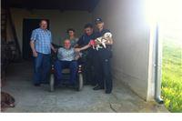 Udruga dragovoljaca i veterana Domovinskog rata Virovitica uručila električna kolica oboljelom dragovoljcu Stjepanu Grizelju
