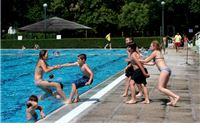 Petkom besplatno noćno kupanje na Gradskom bazenu